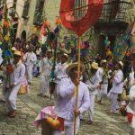 Guelaguetza dancers