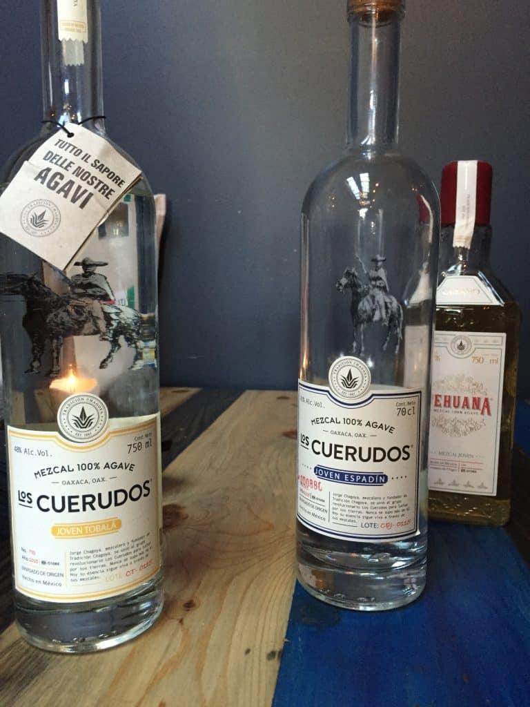 Los Cuerdudos bottles